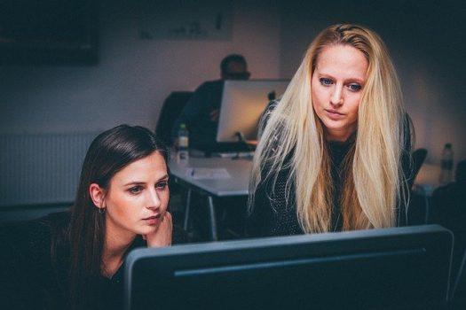 ženy, práce, pc